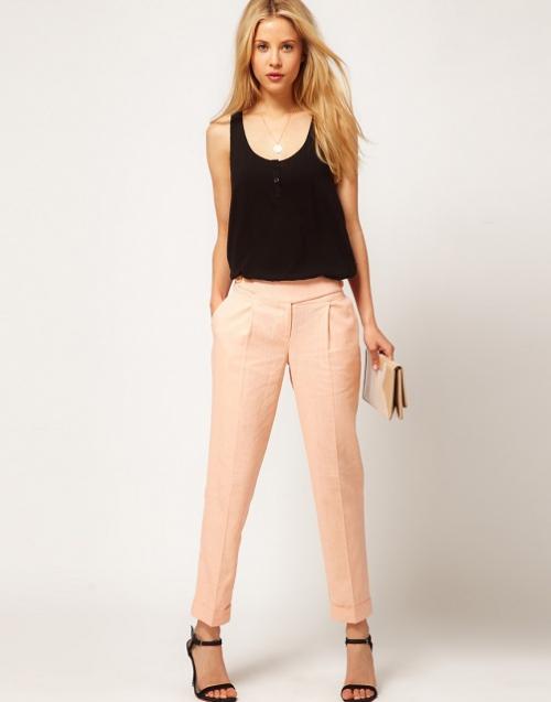 Персиковые льняные брюки