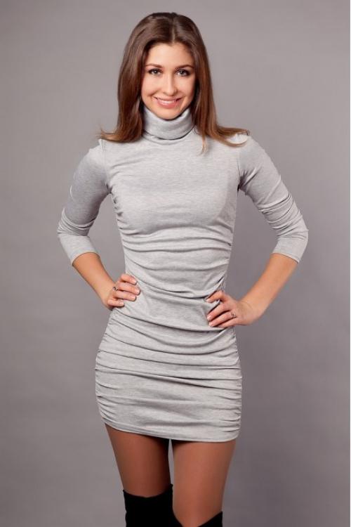 Серое платье-водолазка