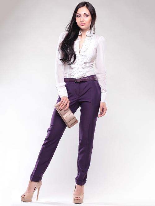 Темно-фиолетовые брюки