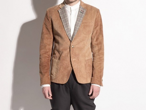 Бежевый вельветовый пиджак