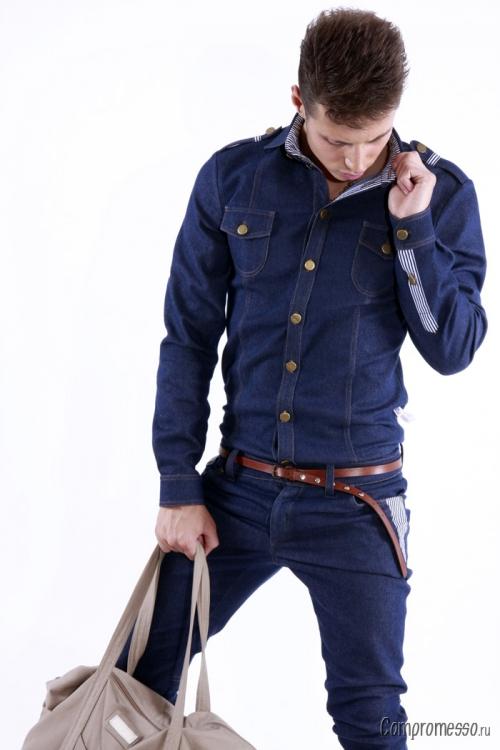 Синий джинсовый пиджак