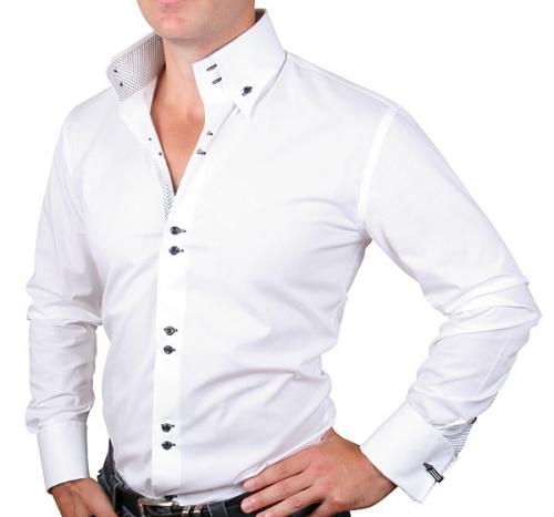 Белая мужская рубашка с черными пуговицами