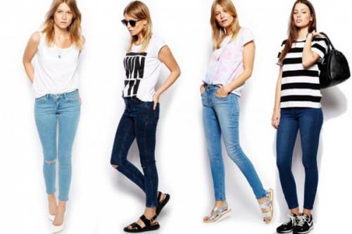 Девушки в узких джинсах, балетках и кроссовках