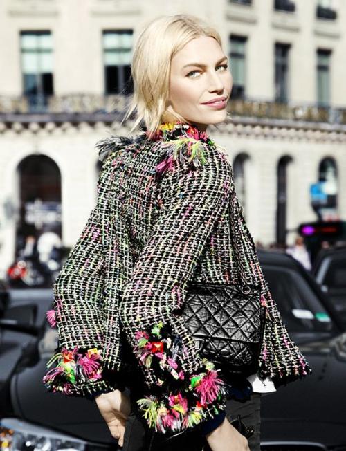 Жакет от Шанель с цветочной отделкой