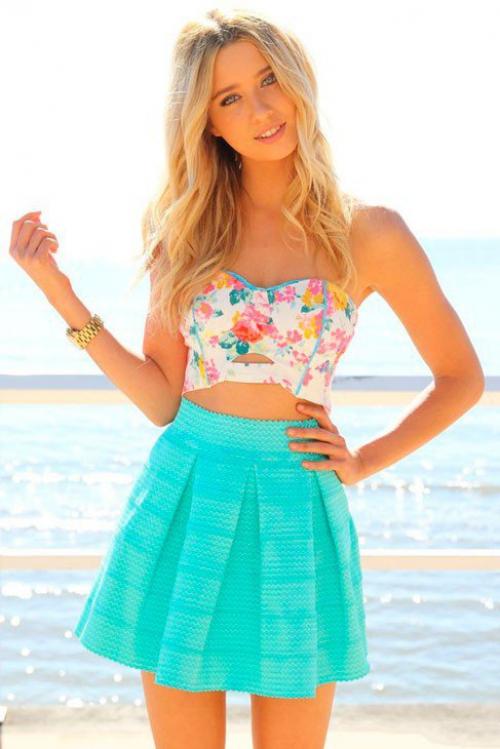 Короткая бирюзовая юбка