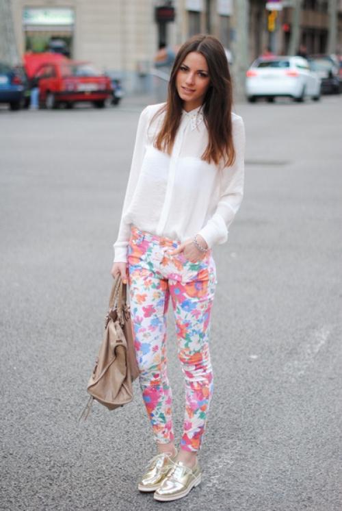 Цветочные брюки с белым верхом