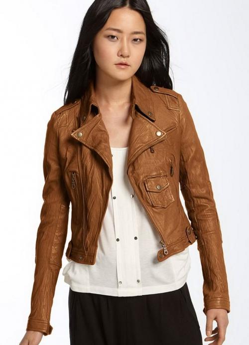 Коричневая куртка-пиджак