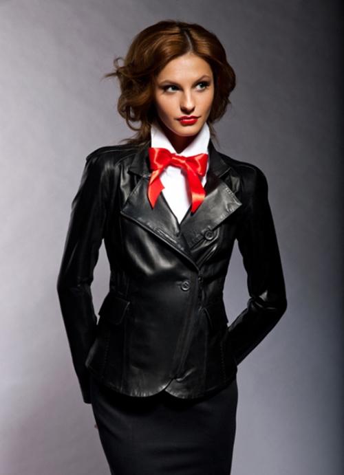 Черная-куртка пиджак и юбка-карандаш