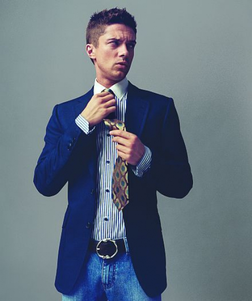 Сочетание галстука и джинсов