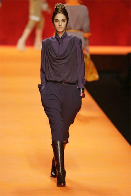 Темные брюки галифе в составе костюма