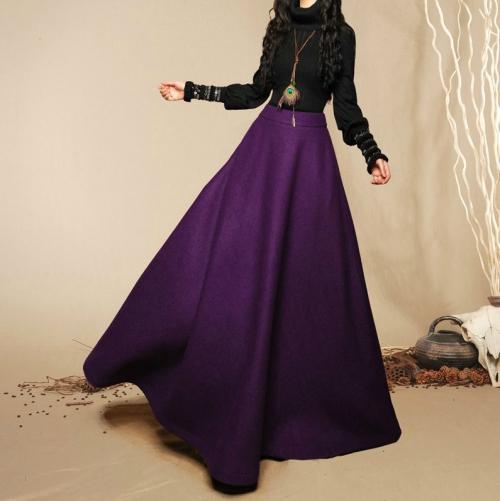 Длинная фиолетовая юбка из шерсти
