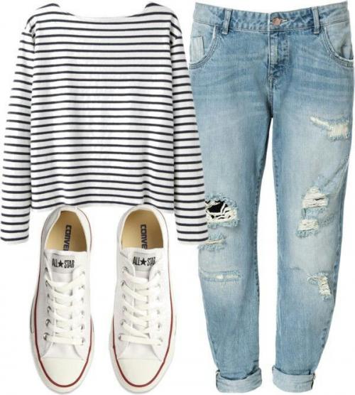 Голубые джинсы и белые кеды