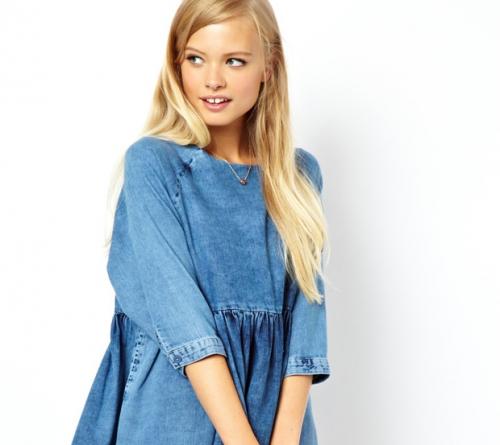 Светлое голубое платье