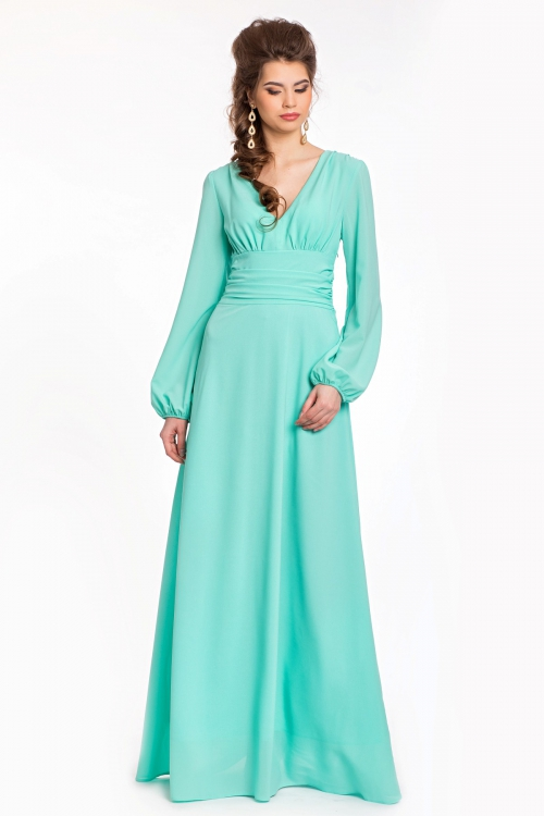 Мятное платье с аксессуарами