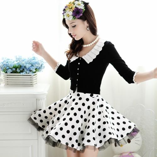 Белая юбка в черный горох