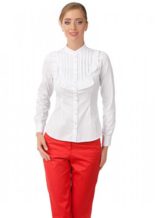 Белая рубашка и красные брюки