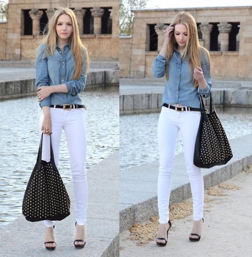 Голубая рубашка и белые брюки